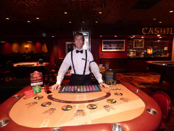 Dealer Blackjack , Golden Gate Casino