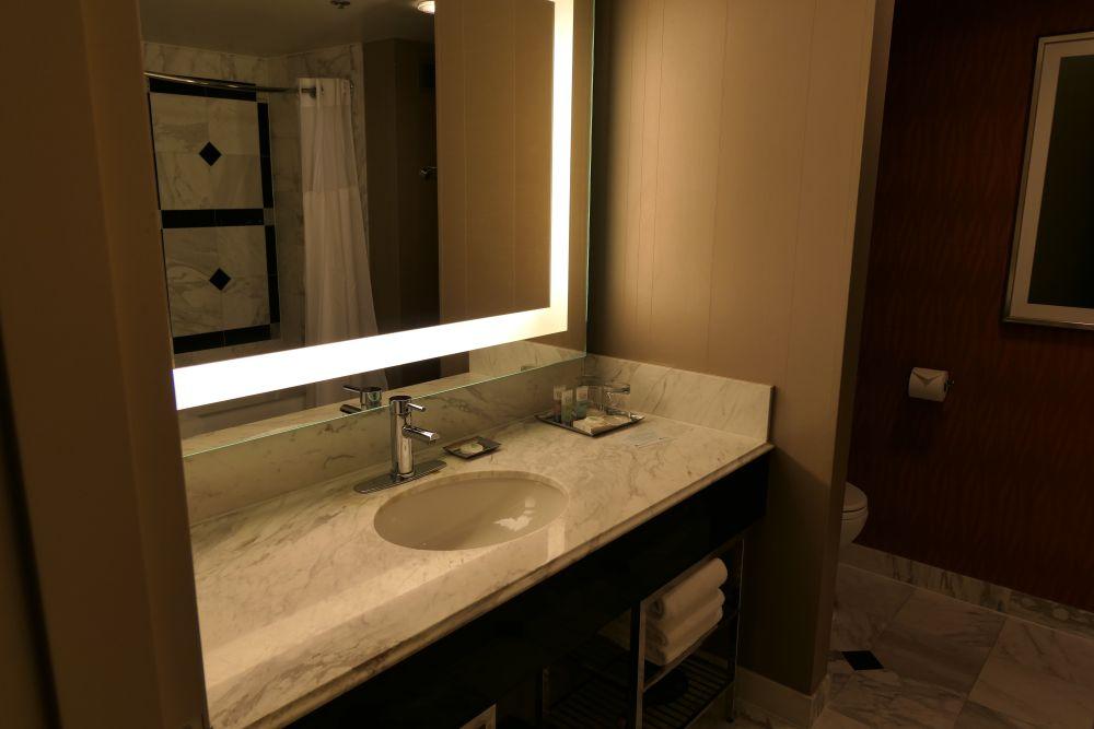 De badkamer van mijn hotelkamer in het MGM Grand Hotel in Las Vegas