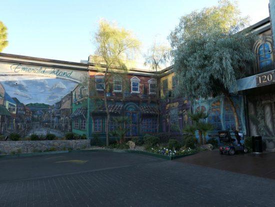 Binnenplaats Emerald Island Casino