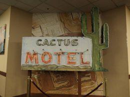 Oude Neon, Cactus Motel