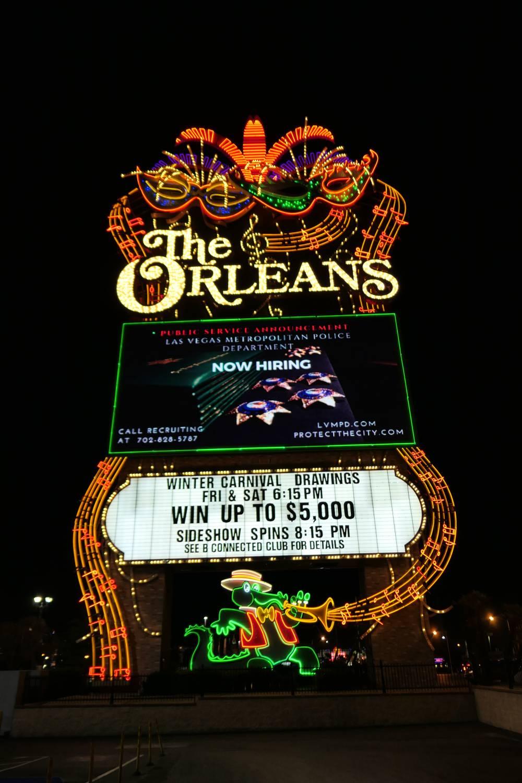 Het kleurrijke The Orleans Sign