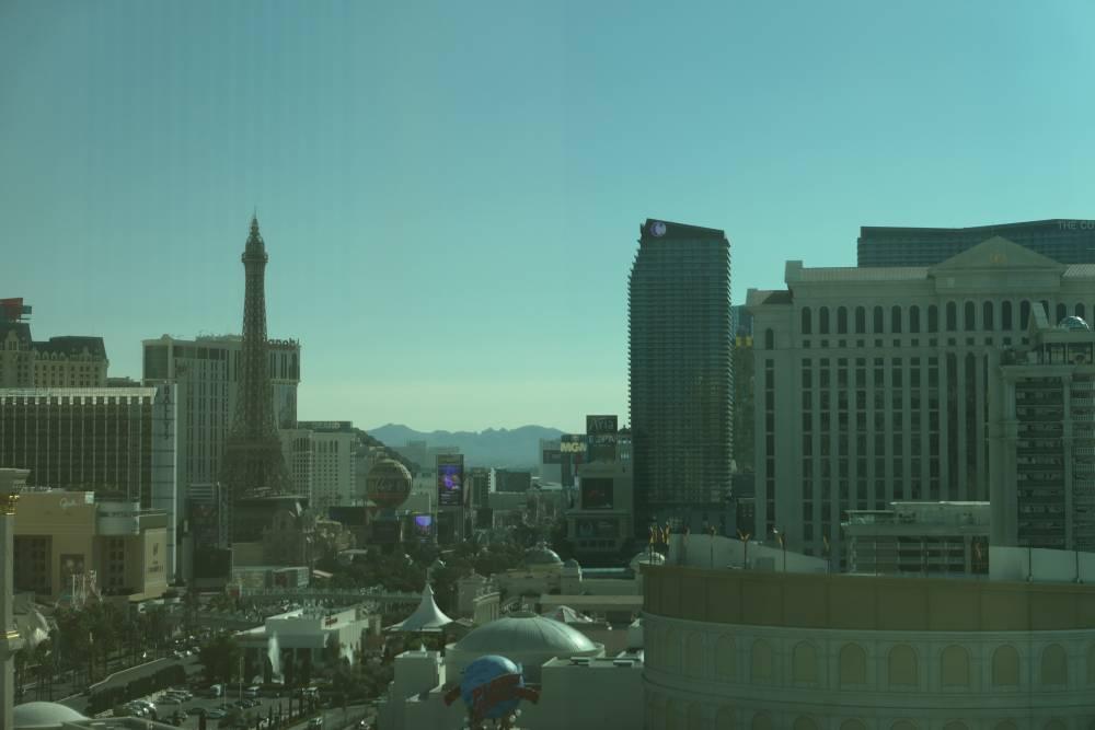 Uitzicht op The Strip vanuit mijn hotelkamer in The Mirage