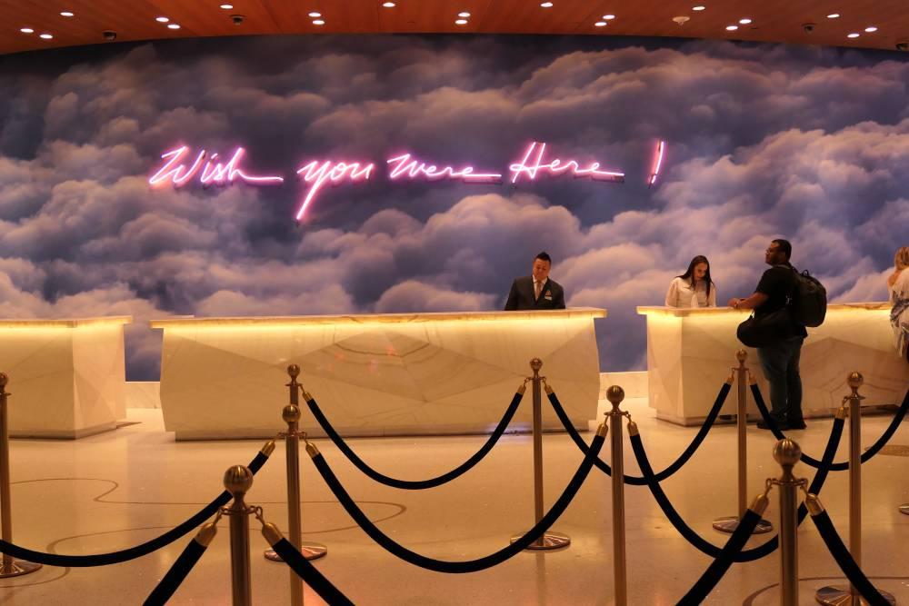 Kunstwerk balie Palms Hotel