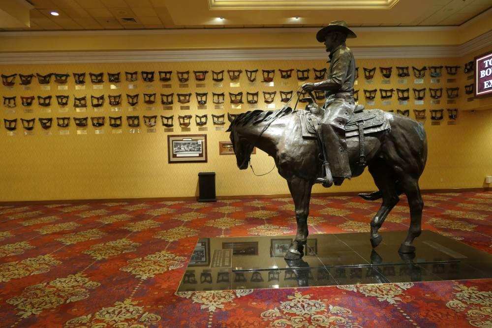 Benny Binion op zijn paard