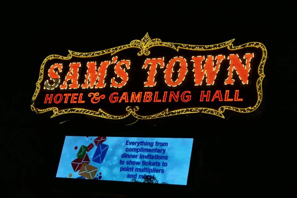 Sign Sam's Town