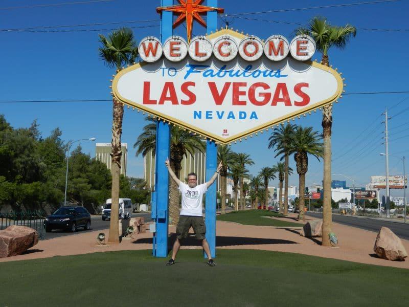 LasVegasNic bij het iconische Welcome to fabulous Las Vegas Sign